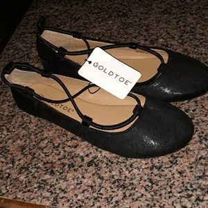 New Womens black flats by Goldtoe Size 6.